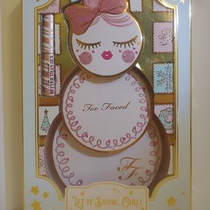 Too Faced Let It Snow Girl Makeup Collection